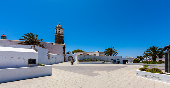 Town Square「Spain, Canary Islands, Lanzarote, Teguise, Old town, Iglesia Nuestra Senora de Guadalupe」:スマホ壁紙(11)