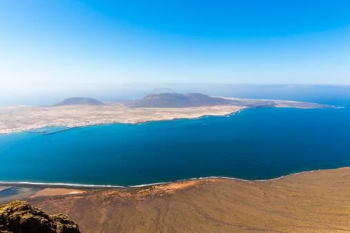 La Graciosa - Canary Islands「Spain, Canary Islands, Lanzarote, view on Island La Graciosa from Mirador del Rio」:スマホ壁紙(11)