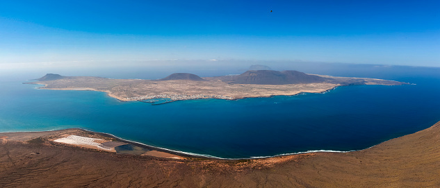 La Graciosa - Canary Islands「Spain, Canary Islands, Lanzarote, view on Island La Graciosa from Mirador del Rio」:スマホ壁紙(18)