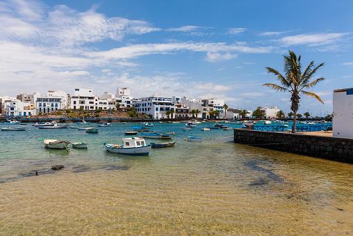Lagoon「Spain, Canary Islands, Lanzarote, Arrecife, view to Charco de San Gines」:スマホ壁紙(14)