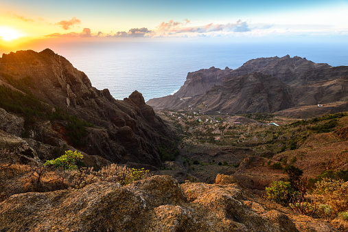 Atlantic Islands「Spain, Canary Islands, Tagalushe, La Gomera at sunset」:スマホ壁紙(7)