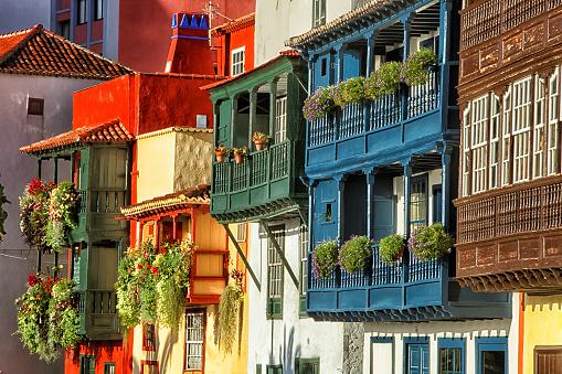 Atlantic Islands「Spain, Canary Islands, La Palma, houses in Santa Cruz de la Palma」:スマホ壁紙(8)