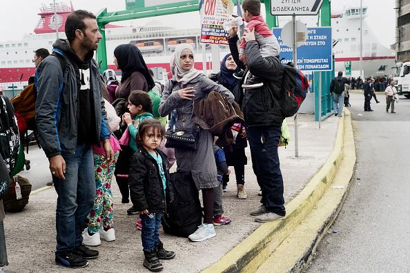 Passenger Craft「Migrants Arriving On Greek Mainland Are Transported Straight To Macedonian Border」:写真・画像(5)[壁紙.com]