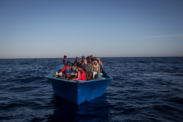 Nautical Vessel「MOAS Search For Migrants On The Mediterranean」:写真・画像(4)[壁紙.com]