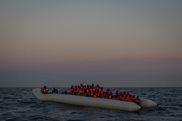 Refugee「MOAS Search For Migrants On The Mediterranean」:写真・画像(13)[壁紙.com]
