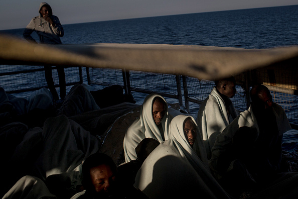 Refugee「MOAS Search For Migrants On The Mediterranean」:写真・画像(14)[壁紙.com]