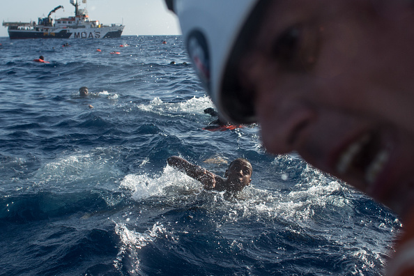 Refugee「Search And Rescue Enters Peak Season For MOAS Operations」:写真・画像(0)[壁紙.com]
