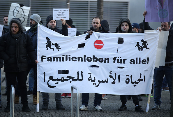 Germany「Bundestag Debates Refugees' Rights To Bring Their Families To Germany」:写真・画像(14)[壁紙.com]