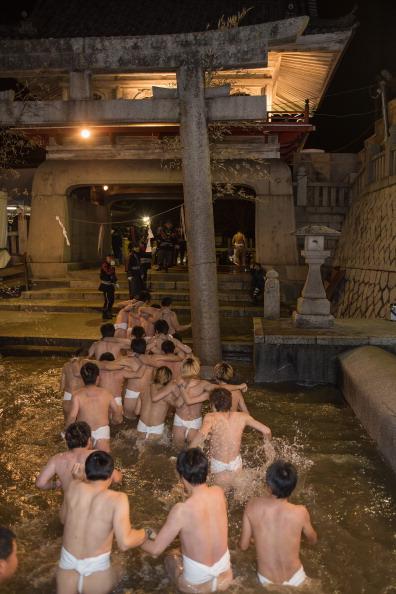 Japan「Saidaiji Temple Naked Festival Takes Place」:写真・画像(5)[壁紙.com]