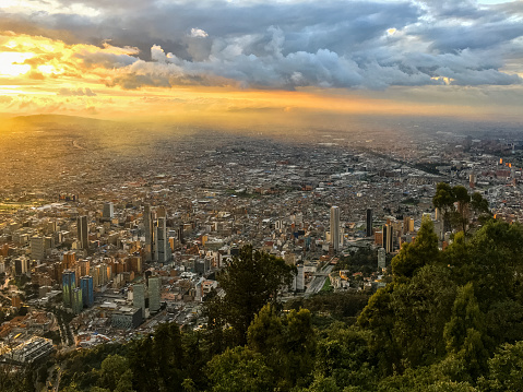 Town Square「Sunset in Bogota, Colombia」:スマホ壁紙(9)