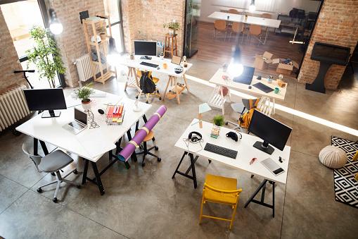 Open Plan「Empty workplace」:スマホ壁紙(6)