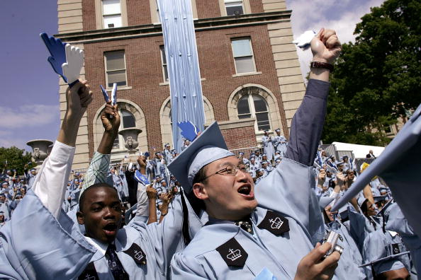 Columbia University「Columbia University Students Celebrate Graduation」:写真・画像(8)[壁紙.com]