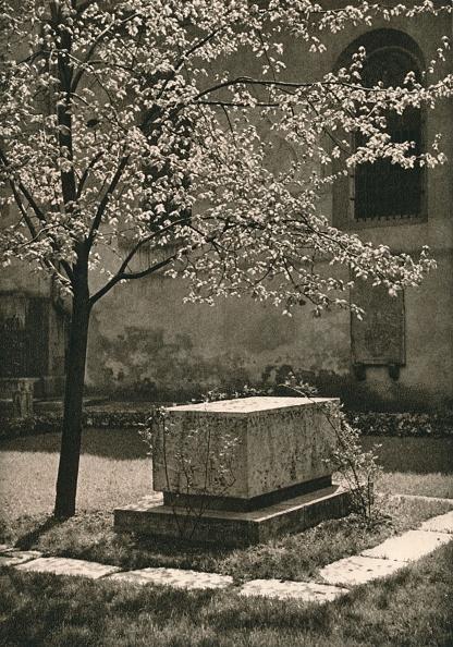 Clipping Path「Wurzburg - Tomb of Walther von der Vogelweide, 1931」:写真・画像(7)[壁紙.com]