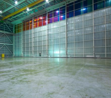 Airplane Hangar「Empty Aircraft hangar」:スマホ壁紙(18)
