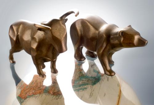 Gray Background「bull bear on globe」:スマホ壁紙(9)