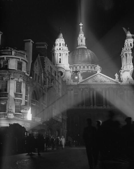 夜景「St Paul's Illuminated」:写真・画像(8)[壁紙.com]