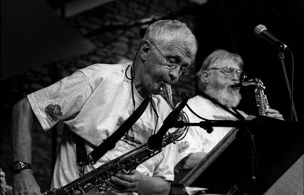 Bud「Bill Perkins and Bud Shank, Brecon Jazz Festival, Brecon, Powys, Wales, August 2000」:写真・画像(10)[壁紙.com]