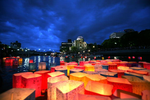 Lantern「Hiroshima Peace Memorial Ceremony」:写真・画像(9)[壁紙.com]