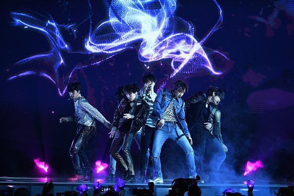 防弾少年団「2018 Billboard Music Awards - Show」:写真・画像(1)[壁紙.com]