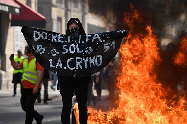 France「Weekly Gilets Jaunes Protest To Go Ahead Despite Notre Dame Fire」:写真・画像(15)[壁紙.com]