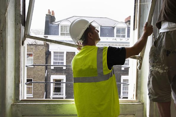 Glazier「Restoring a sash window」:写真・画像(11)[壁紙.com]