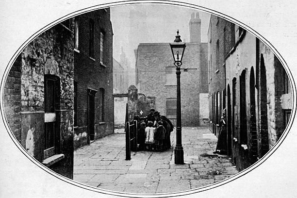 Ripe for eviction, London, c1901 (1901):ニュース(壁紙.com)