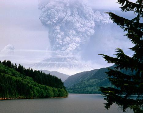 Active Volcano「Mount St. Helens Erupting」:スマホ壁紙(12)