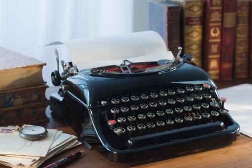 Typewriter「Antique typewriter」:スマホ壁紙(15)