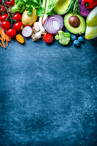 Radish「Vegan food: healthy fresh vegetables border. Copy space」:スマホ壁紙(15)