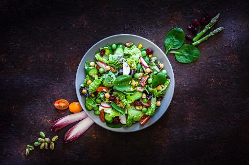 Radish「Vegan food: healthy fresh vegetables salad shot from above」:スマホ壁紙(17)