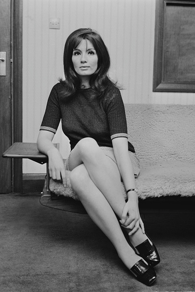 大人「Christine Keeler At Home」:写真・画像(7)[壁紙.com]
