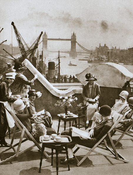 リラクゼーション「Roof Garden Of The Langbourne Club For City Women Fishmonger Hall Street London circa 1920s(?)」:写真・画像(8)[壁紙.com]