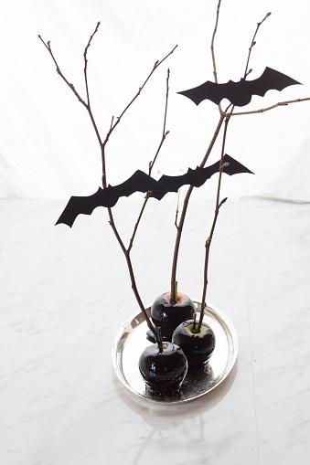ハロウィン「Black candied apples with Halloween decoration」:スマホ壁紙(11)