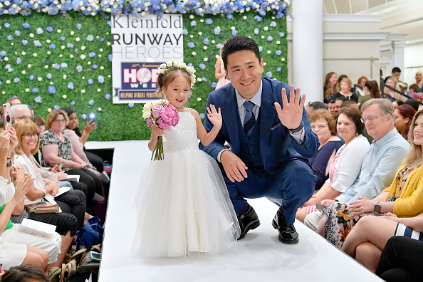 Masahiro Tanaka「Runway Heroes Walk With The Yankees At Kleinfeld」:写真・画像(12)[壁紙.com]