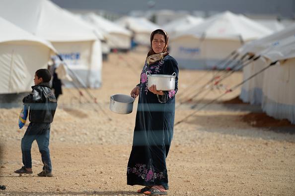 Syrian Civil War Refugee Crisis「Thousands Of Syrian Refugees Seek Shelter In Makeshift Camps In Jordan」:写真・画像(1)[壁紙.com]