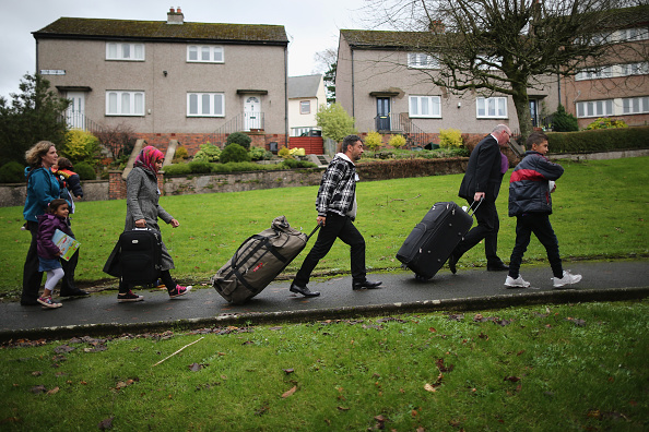 イギリス「Scottish Island Of Bute Welcomes Syrian Refugee Families」:写真・画像(5)[壁紙.com]
