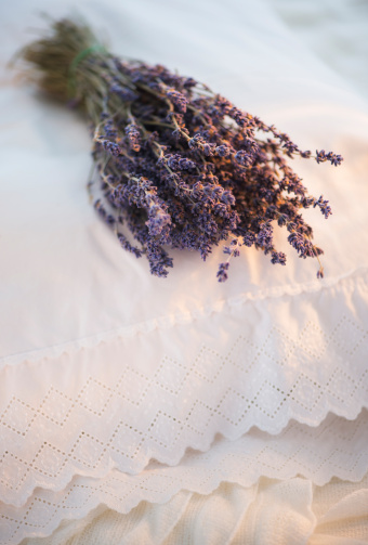 Embroidery「Bundle of dry lavender lying on embroidered pillow」:スマホ壁紙(0)
