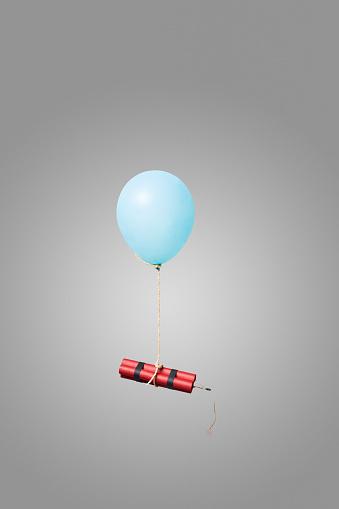 Firework - Explosive Material「Bundle of dynamite sticks tied to a balloon」:スマホ壁紙(6)