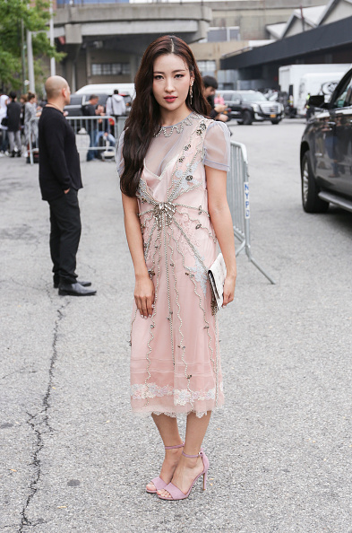 Achim Aaron Harding「Street Style - New York Fashion Week September 2018 - Day 7」:写真・画像(15)[壁紙.com]