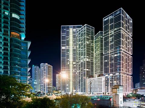 Miami「Condo Towers at Night」:スマホ壁紙(9)
