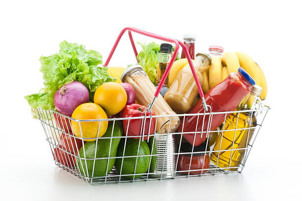 Wire shopping basket filled with groceries and vegetables:スマホ壁紙(壁紙.com)