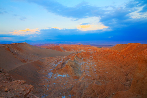 Antofagasta Region「Atacama Desert, Moon and Death Valley – above dramatic landscape at gold colored sunset panorama –  Chile」:スマホ壁紙(17)