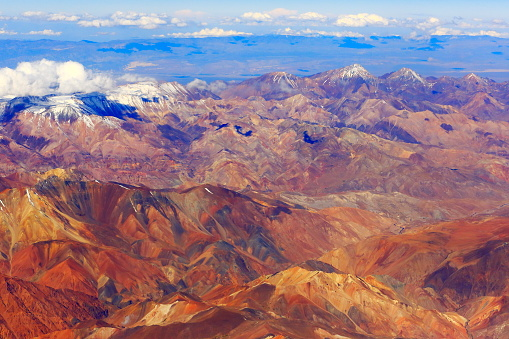 Bolivian Andes「Atacama Desert – Andes aerial view – above mountains and Volcanic landscape, Chile」:スマホ壁紙(6)