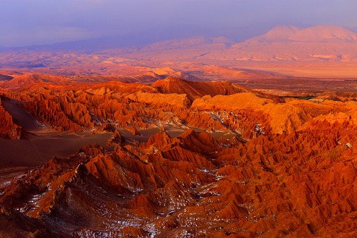 Atacama Region「Atacama Desert Moon valley – Valle de La luna and Valle de La muerte – Death Valley – above dramatic ethereal pastel colored moon surface landscape at gold colored sunset, exotic volcanoes and Idyllic Atacama Desert, Volcanic landscape panorama –  Chile」:スマホ壁紙(3)