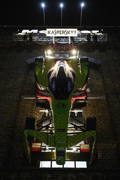 Ian Gavan「Kaspersky Lab Presents The 'Save The World' Art Car By D*Face At Moniker Art Fair」:写真・画像(0)[壁紙.com]