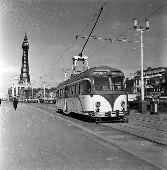 Railroad Track「Blackpool Tower」:写真・画像(2)[壁紙.com]