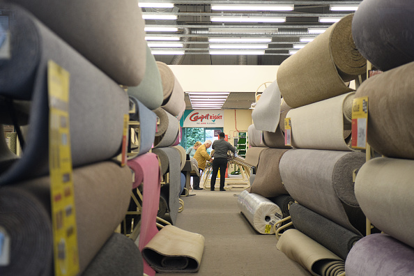 Leon Neal「Debenhams And Carpetright Report Challenging Trading」:写真・画像(6)[壁紙.com]