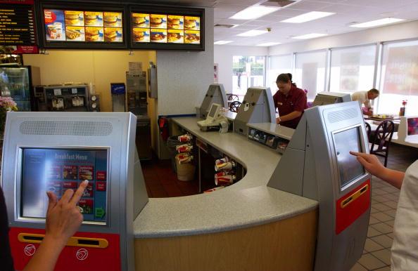 Order「McDonald's Tests Self-Ordering Kiosks」:写真・画像(4)[壁紙.com]