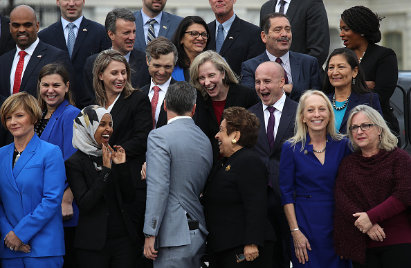 Win McNamee「House Representatives-Elect Pose For Group Photo In Front Of U.S. Capitol」:写真・画像(13)[壁紙.com]