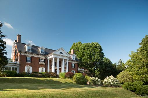 Pennsylvania「Facade of grand mansion」:スマホ壁紙(2)
